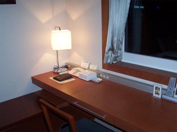Hotel-Desk-1